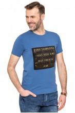 Koszulka męska - Tshirt - Tłoczone napisy - niebieska
