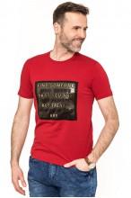 Koszulka męska - Tshirt - Tłoczone napisy - czerwona